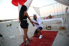 Çeşme Kumsalda Evlilik Teklifi Organizasyonu