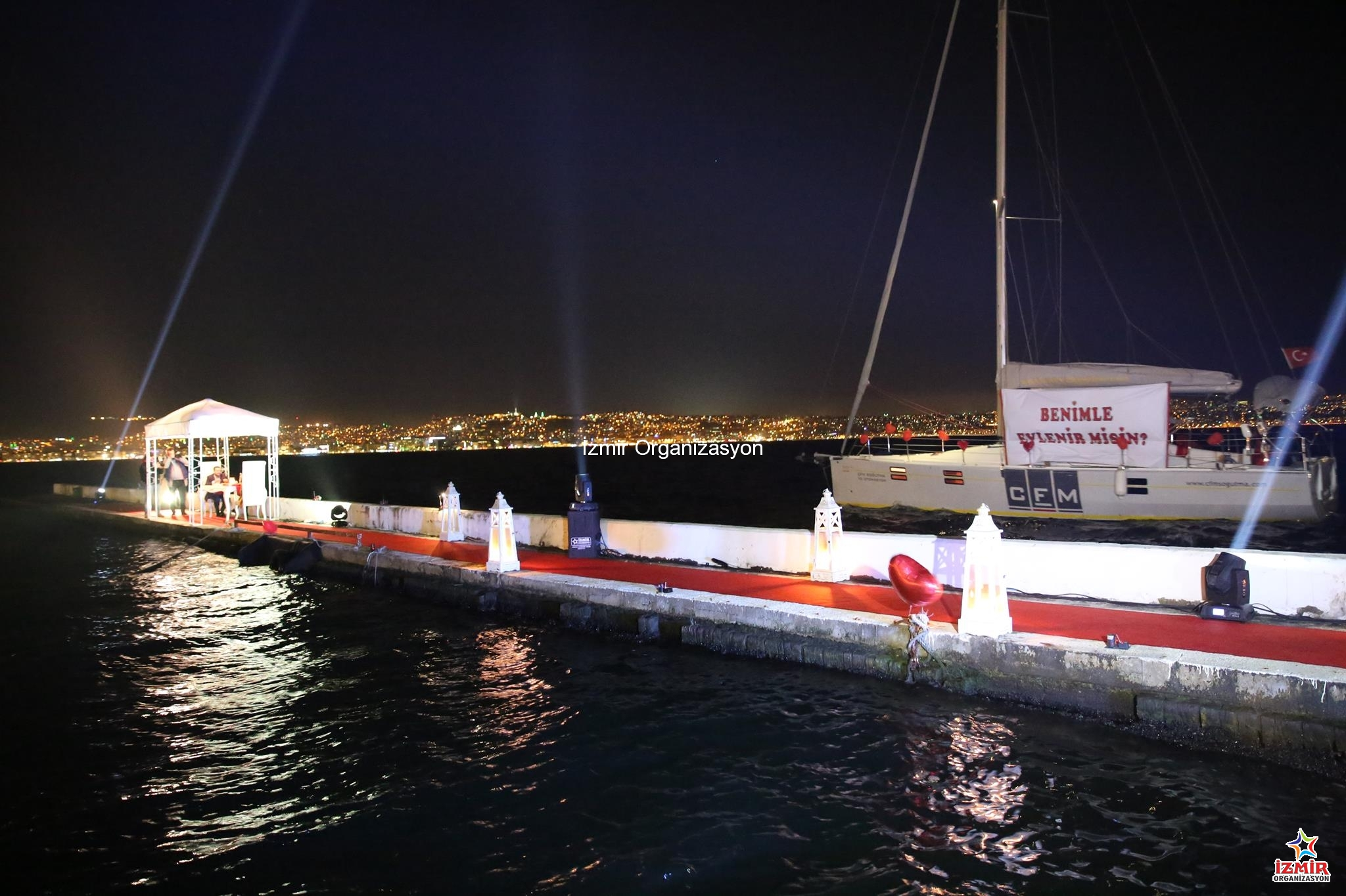 Karşıyaka Yelken Kulübünde Evlilik Teklifi Organizasyonu